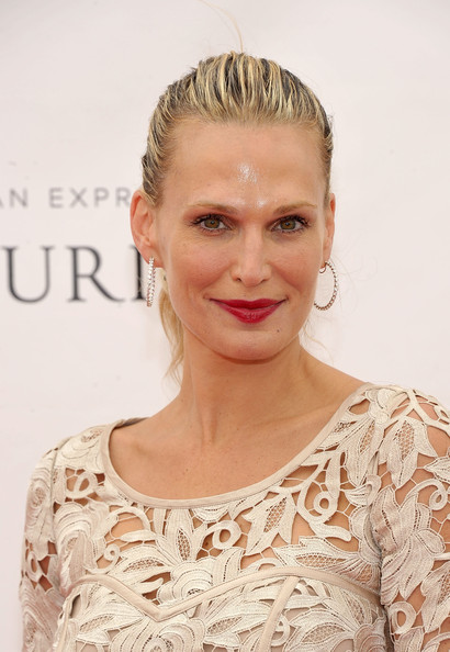 More Pics of Molly Sims Cocktail Dress (1 of 11) - Dresses & Skirts Lookbook - StyleBistro []