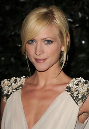 Brittany Snow completed her natural makeup look with nude lipstick with a hint of rose pink.