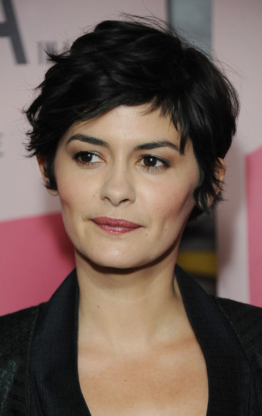 More Pics of Audrey Tautou Pink Lipstick (1 of 13) - Makeup Lookbook - StyleBistro