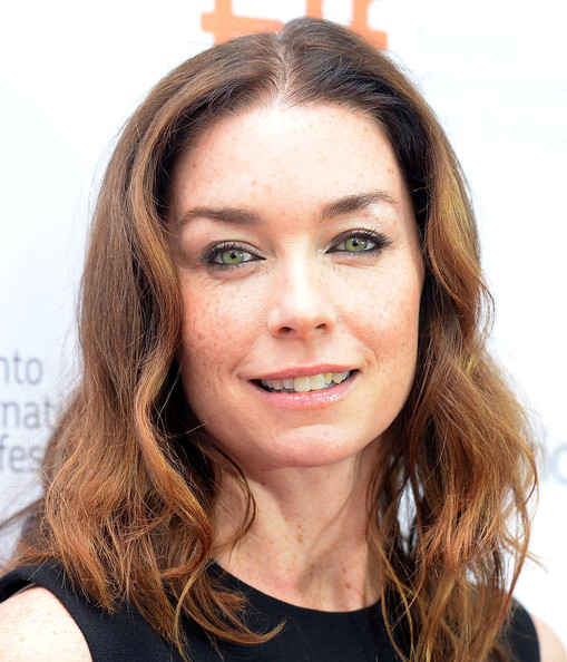 More Pics of Julianne Nicholson Medium Wavy Cut (3 of 12) - Medium Wavy Cut Lookbook - StyleBistro