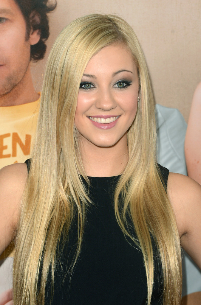 Ava Sambora Long Side Part Ava Sambora Hair Looks