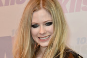 Avril Lavigne Long Wavy Cut