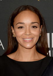 Ashley Madekwe looked classic with this long center-parted 'do at the BAFTA LA TV Tea.
