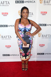 Niecy Nash was all curves in her body-con Ted Baker print dress at the BAFTA Los Angeles TV Tea Party.