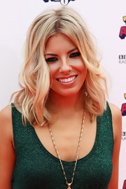 Mollie King wore her lovely blond tresses in soft, effortlessly pretty waves at the BBC Radio 1 Teen Awards.