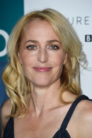 Gillian Anderson topped off her look with this sweet wavy 'do when she attended the launch of 'The Fall' series three.