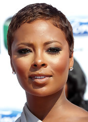 Eva Pigford showed off her shorter than usual cropped mane.