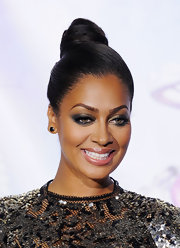 La La Anthony swept her hair up in a sleek top knot for the 2011 BET Awards.