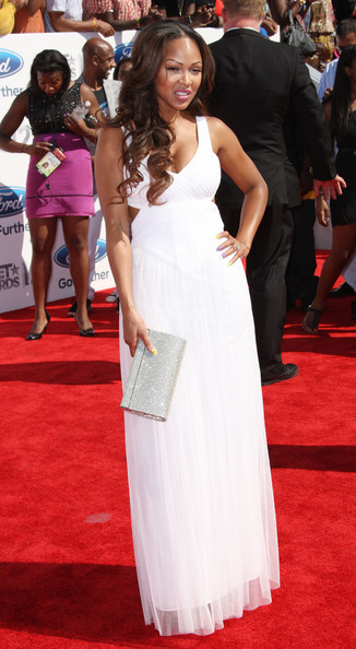 More Pics of Meagan Good Metallic Clutch (1 of 5) - Meagan Good Lookbook - StyleBistro