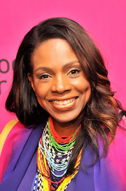 Sheryl Lee Ralph's chocolate locks looked cool and youthful when styled into long waves.