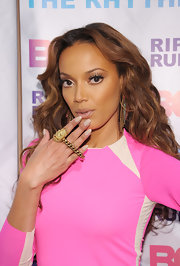 Selita Ebanks toned down her look with a nude polish at BET's Rip the Runway show.