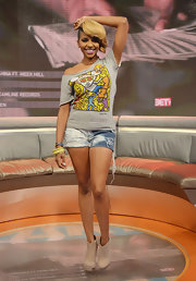 Miss Mykie wore a pair of tie-dye wash denim shorts for her look on '106 & Park.'
