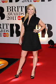 Liz Mcclarnon achieved a flattering silhouette with this fashionable LBD.