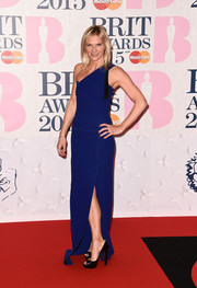 Jo Whiley wore a gorgeous one-shoulder dress in a great shade of blue at the BRIT Awards.