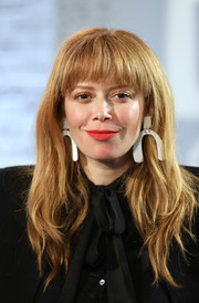 Natasha Lyonne was edgy-chic with her layered waves and rounded bangs at the Build LDN event.