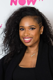 Jennifer Hudson went grunge-glam with this teased 'do for her visit to Build.