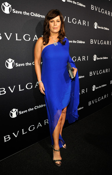 Marcia Gay Harden looked fab in a bright blue one shoulder asymmetric dress at the BVLGARI And Save The Children Pre-Oscar Event.