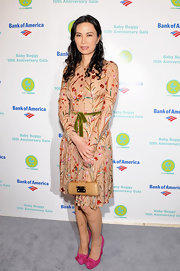 Wendi Deng chose a feminine pair of round-toe pumps for the Baby Buggy 10th Anniversary Gala.