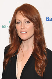 Julianne Moore wore her long wavy tresses with softly side-swept bangs at the Baby Buggy 10th Anniversary Gala.