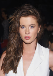 Ireland Baldwin attended the Badgley Mischka fashion show sporting a rocker-glam side sweep.