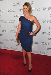 Lauren donned a muted blue one-shoulder cocktail dress for the Badgley Mischka store launch.