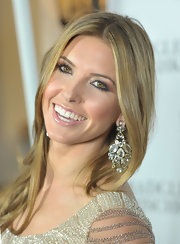 Audrina Patridge looked stunning on the red carpet at the  Badgley Mischka store opening. She wore dangling crystal earrings with her long locks.