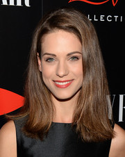 Lyndsy Fonseca sported a casual straight cut with a hint of a flip during the Banana Republic L'Wren Scott collection launch.