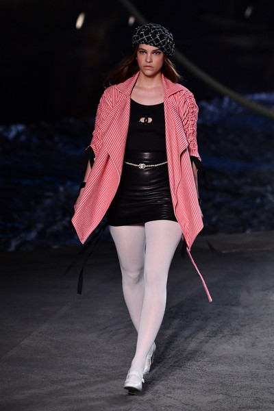 Barbara Palvin Printed Coat [fashion model,fashion,runway,fashion show,clothing,pink,beauty,outerwear,fashion design,public event,barbara palvin,runway,collection,runway,paris,france,le grand palais,chanel cruise 2018,chanel cruise]