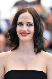 Eva Green's red-orange lipstick totally lit up her face!
