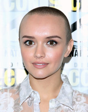 Olivia Cooke rocked a buzzcut at the 'Bates Motel' press line during Comic-Con International 2014.