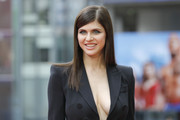 Alexandra Daddario sported pin-straight hair at the 'Baywatch' photocall in Berlin.