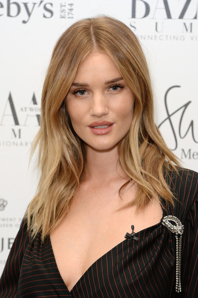 Rosie Huntington-Whiteley's Layered Locks
