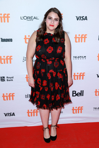 Beanie Feldstein Pumps [clothing,fashion model,dress,cocktail dress,premiere,carpet,hairstyle,fashion,red carpet,flooring,beanie feldstein,lady bird,toronto,canada,ryerson theatre,toronto international film festival,premiere]