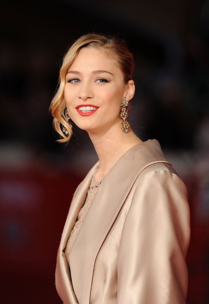 Beatrice Borromeo Side Swept Curls Beatrice Borromeo
