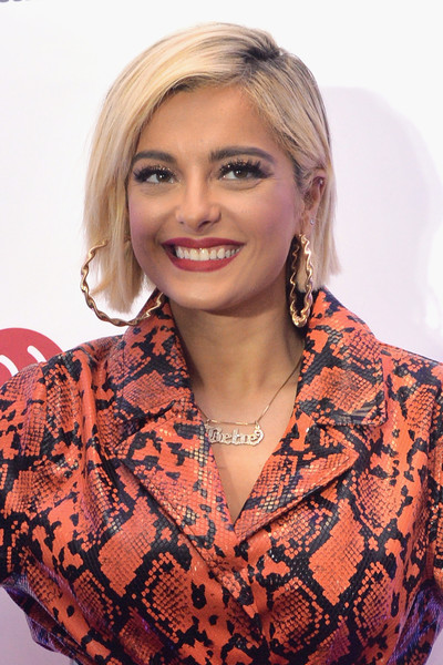 Bebe Rexha Bob [hair,face,blond,hairstyle,beauty,lady,lip,fashion,premiere,dress,bebe rexha,kiss fm,chicago,room,rosemont,illinois,jingle ball]