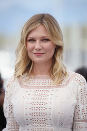 Kirsten Dunst sported sweet shoulder-length waves at the Cannes Film Festival photocall for 'The Beguiled.'