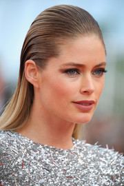 Doutzen Kroes attended the Cannes Film Festival screening of 'The Beguiled' wearing a slicked-back hairstyle.
