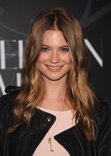 Behati Prinsloo Long Center Part