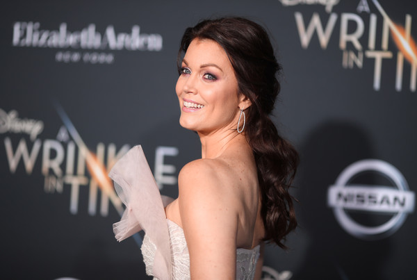 Bellamy Young Loose Ponytail [a wrinkle in time,hair,beauty,hairstyle,premiere,dress,fashion,smile,event,eyelash,long hair,arrivals,bellamy young,california,los angeles,el capitan theatre,disney,premiere,premiere]