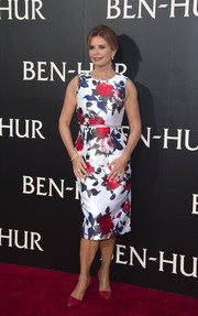 Roma Downey was sweet and ladylike in a colorful floral dress by Mac Duggal at the LA premiere of 'Ben-Hur.'