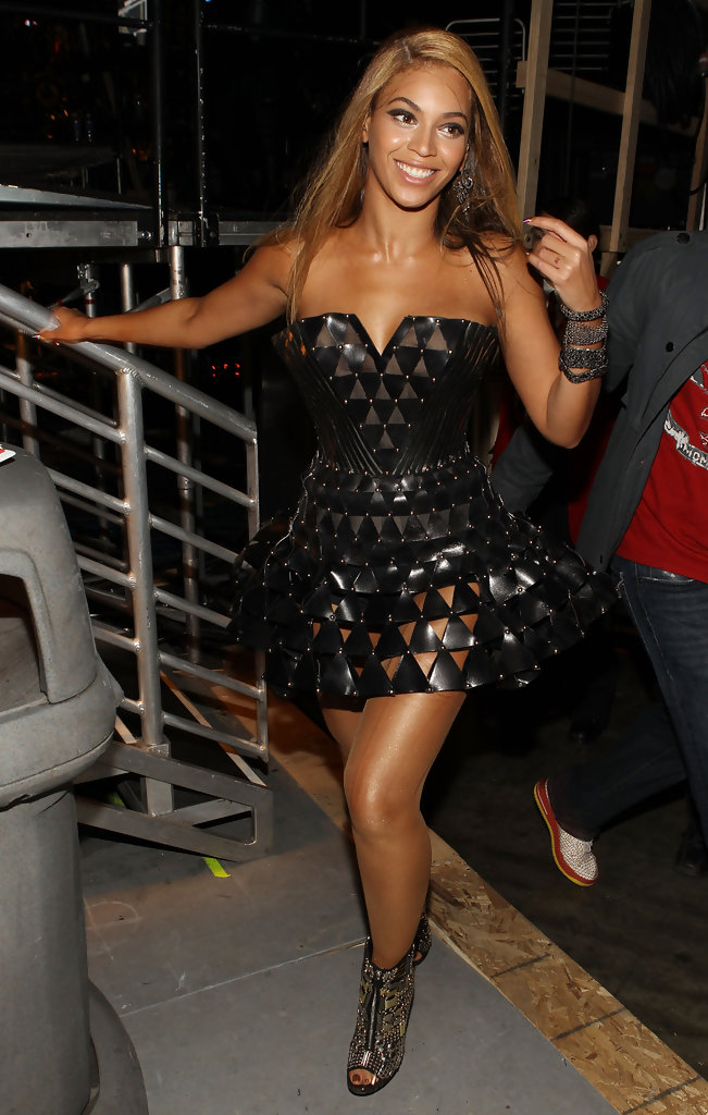 Beyonce Knowles Little Black Dress Beyonce Knowles Clothes Looks Stylebistro