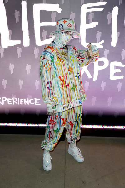 Billie Eilish Print Blouse [costume,cosplay,fictional character,art,spotify,spotify presents the billie eilish experience,billie eilish,musician,singer,the billie eilish experience,model,fashion,skylight row,los angeles,los angeles,clothing,musician,spotify,singer,model,fashion,party favor]