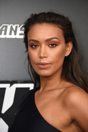 Ilfenesh Hadera sported a messy, brushed-back hairstyle at the New York premiere of 'BlacKkKlansman.'