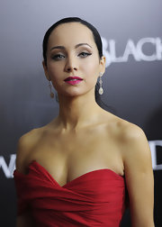 Ksenia Solo looked drop dead gorgeous with her dangling diamond earrings at the New York premiere of 'Black Swan.'