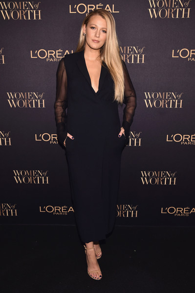 Blake Lively Strappy Sandals [little black dress,dress,flooring,shoulder,beauty,fashion model,formal wear,fashion,carpet,cocktail dress,blake lively,arrivals,loreal paris women of worth celebration 2016 arrivals,new york city,loreal paris women of worth celebration 2016,blake lively,gossip girl,woman,actor,paris,photograph,celebrity,red carpet,fashion]