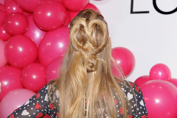 Blake Lively Half Up Half Down [hair,balloon,blond,hairstyle,party supply,beauty,pink,long hair,hair coloring,blake lively,loreal paris paints,new york city,west edge,colorista,launch event]