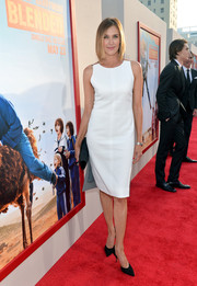 Brenda Strong chose and simple yet classic sleeveless white sheath dress for the premiere of 'Blended.'