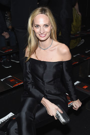 Lauren Santo Domingo accessorized her black outfit with a silver Bottega Veneta clutch when she attended the brand's Fall 2018 show.