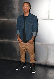 Bow Wow arrived at fuse Studios in a stylish Levi's denim jacket.