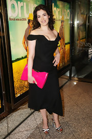 This off-the-shoulder cocktail dress was one hot look on Nigella Lawson. She was classically sexy!